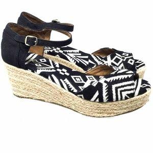 Toms Women Sandals Sz Us 6.5 Black/ White Wedge